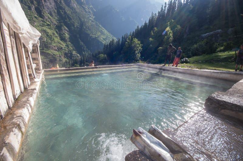 Термальная ванна на Khir Ganga - Индии стоковое изображение rf