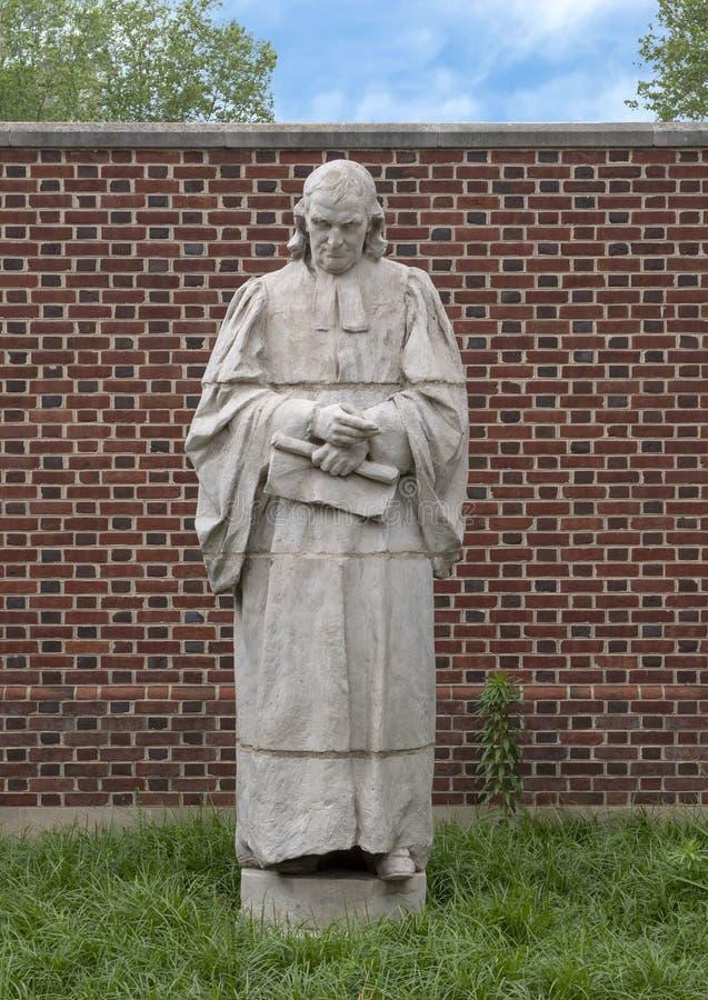 Терракотовая скульптура Джона Witherspoon Александром Стерлингом Calder, пресвитерианским садом экстерьера исторического общества стоковые фото