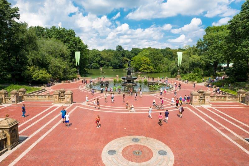 Терраса Bethesda и озеро на Central Park в Нью-Йорке стоковое изображение rf
