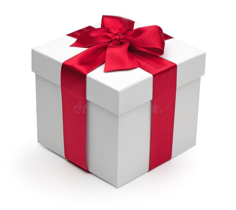 тесемка красного цвета подарка коробки стоковое изображение rf