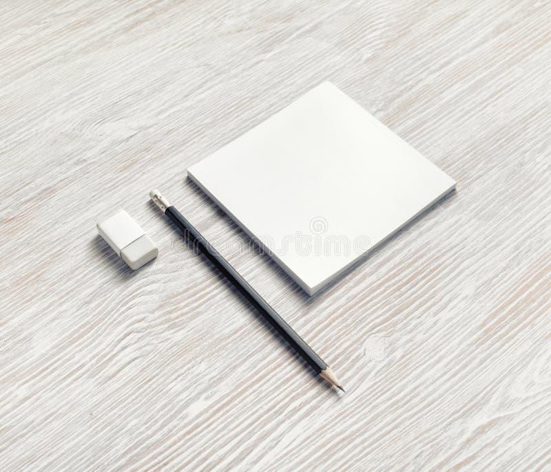 Тетрадь, карандаш и ластик стоковые фотографии rf
