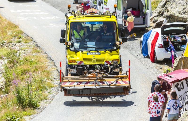 Техническая тележка в Альпах - Тур-де-Франс 2015 стоковые фото