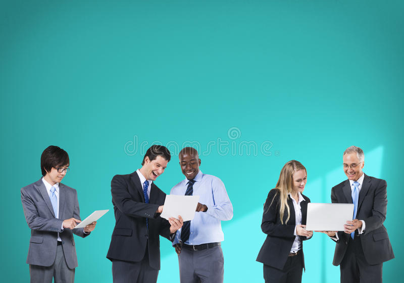 Технологии сети соединения бизнесмены концепции команды стоковые фотографии rf