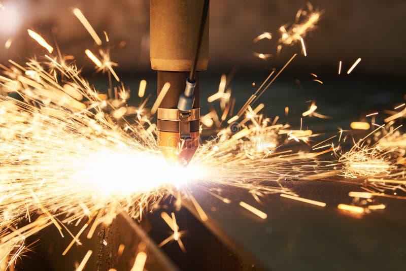 Технология вырезывания лазера или плазмы металлического листа плоского листа стоковое изображение rf