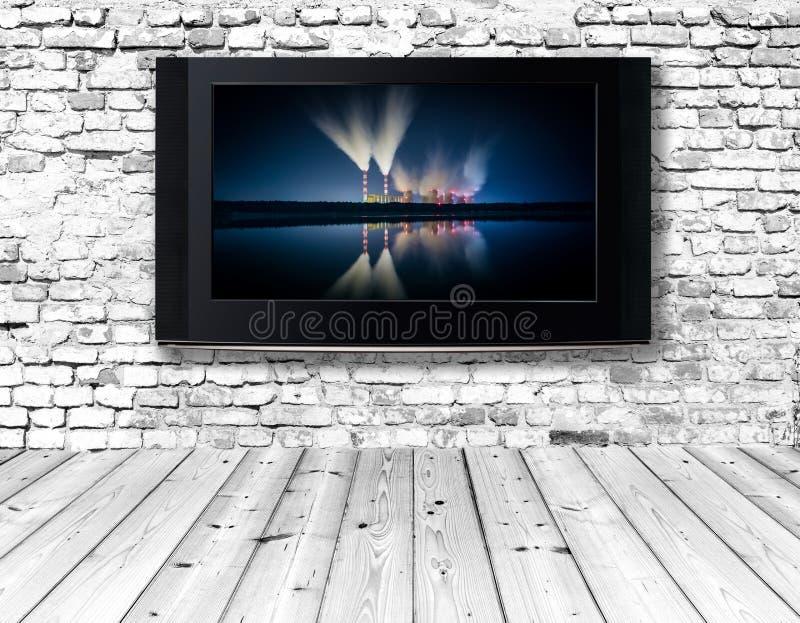 Download Телевизор на старой стене стоковое изображение. изображение насчитывающей внутрь - 40585697