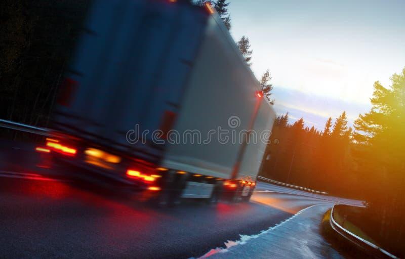 тележка Испании дороги pyrenees горы стоковое изображение rf