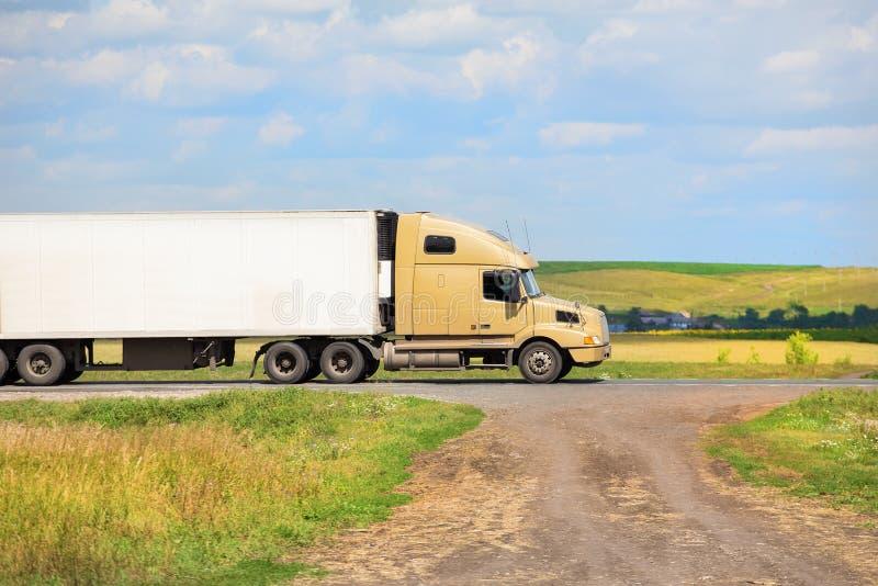 Тележка транспортирует перевозку стоковое фото
