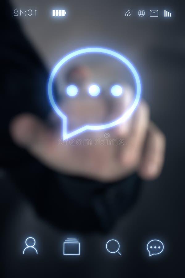 Телефон пальца человека касающий умный стоковая фотография
