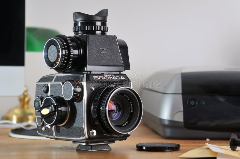 Тело камеры фильма EC Bronica с объективом стоковые фотографии rf