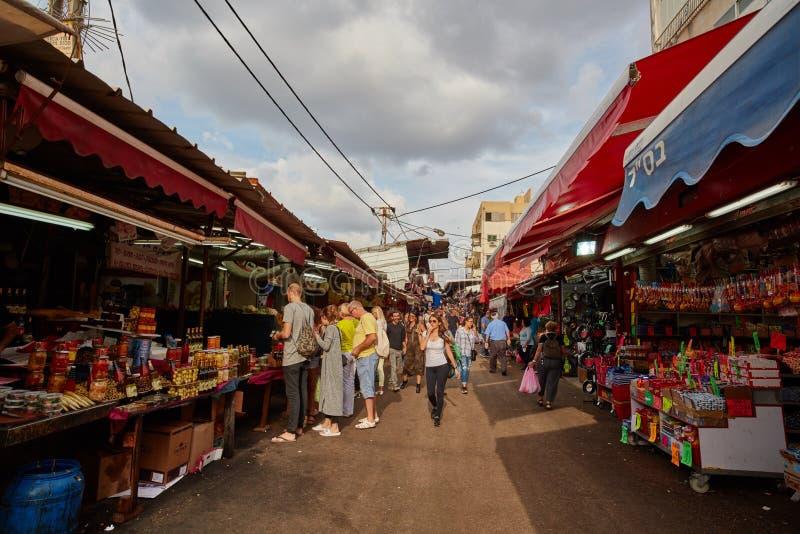 Тель-Авив - 4-ое декабря 2016: Рынок Carmel в Тель-Авив и стоковое фото