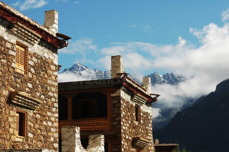 тибетец sichuan фарфора зданий типичный стоковые изображения rf