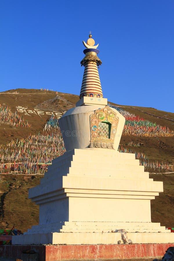 Тибетская башня будизма стоковое фото rf
