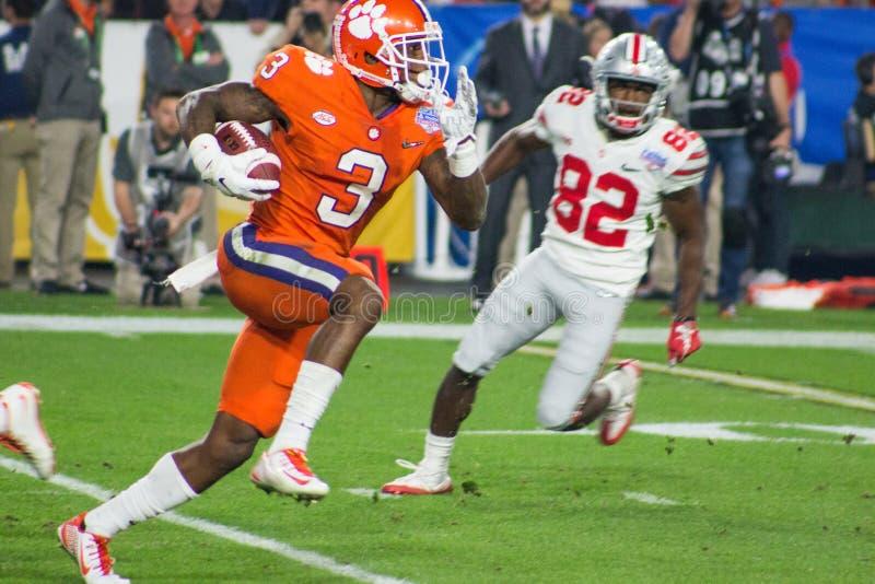Тигры Clemson футбола NCAA на шаре фиесты стоковая фотография rf