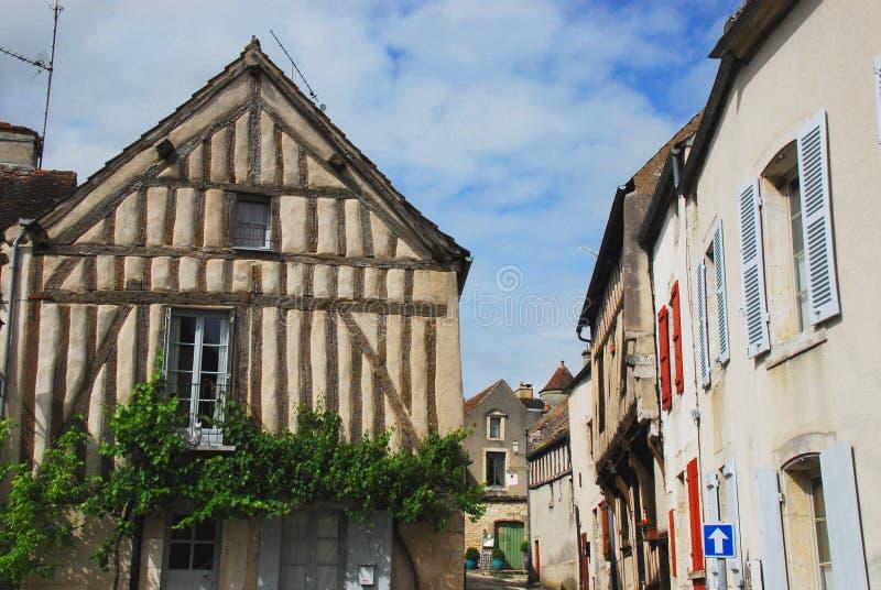 Тимберс Франции половинный в Noyers Sur Serein стоковые изображения