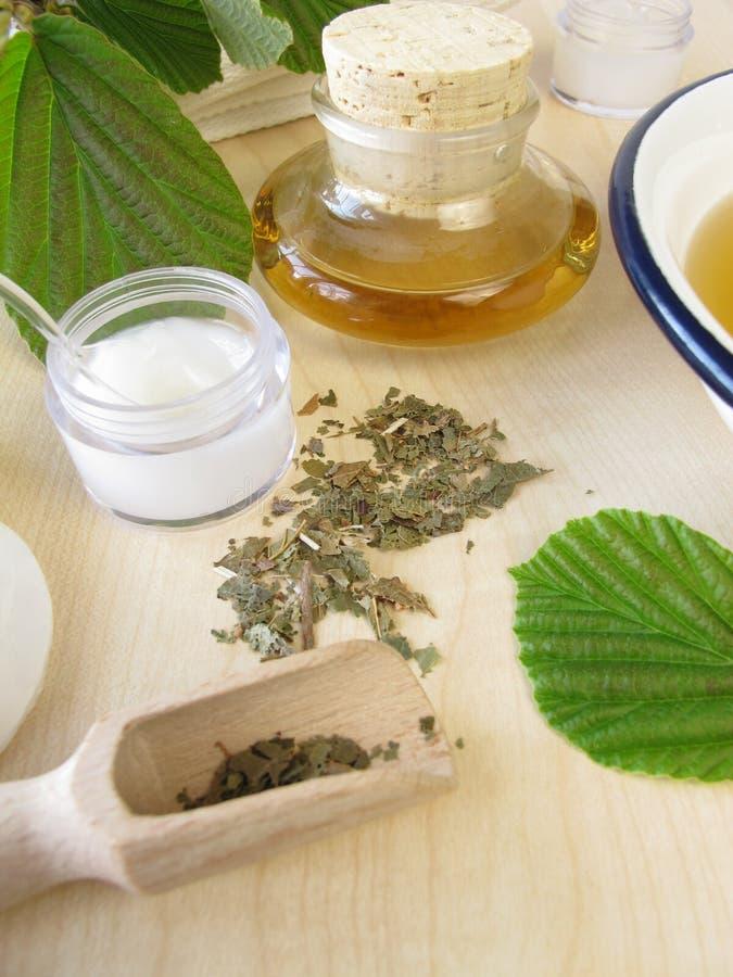 тинктура hamamelis сути ванны cream стоковые изображения rf