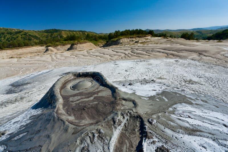 тинные вулканы Румынии стоковые изображения rf