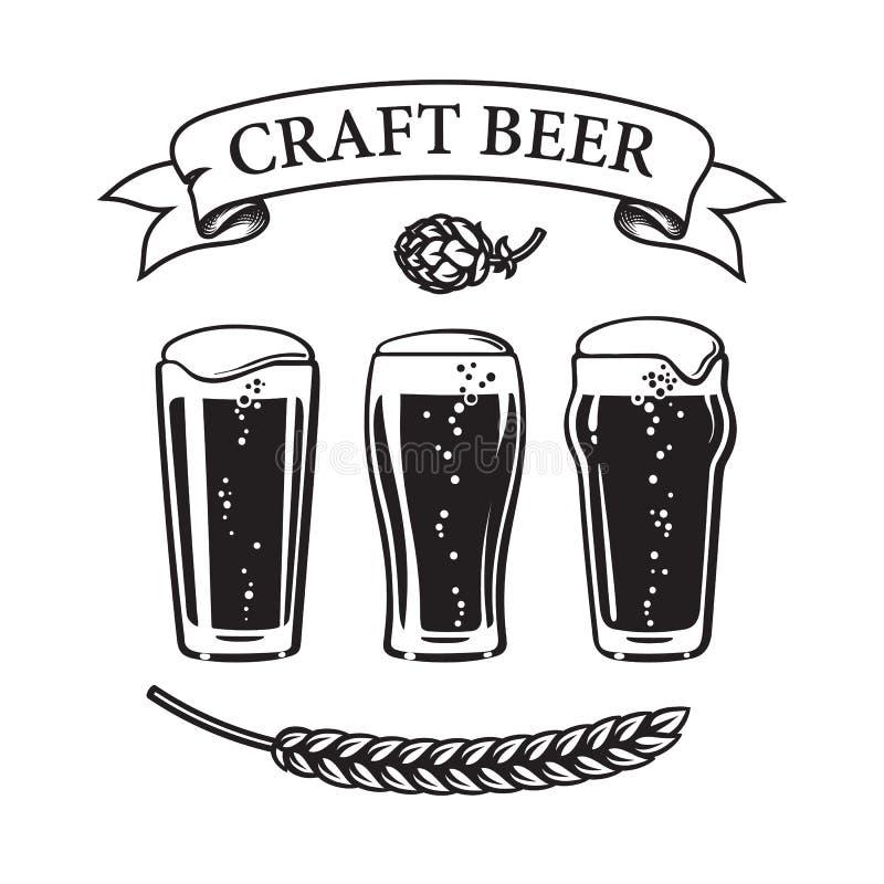 3 типа шейкера tumbler пива пинты стеклянного традиционного, тюльпана и nonic пинт Винтажное знамя ленты с ремеслом текста иллюстрация вектора