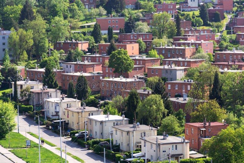 Типизированные дома Bata семьи красного кирпича в Zlin, Моравии, чехии, виде с воздуха стоковая фотография