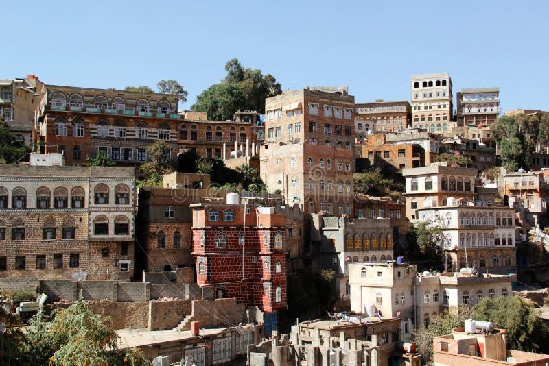 Типичная архитектура Йемена в Ibb, Йемене стоковая фотография