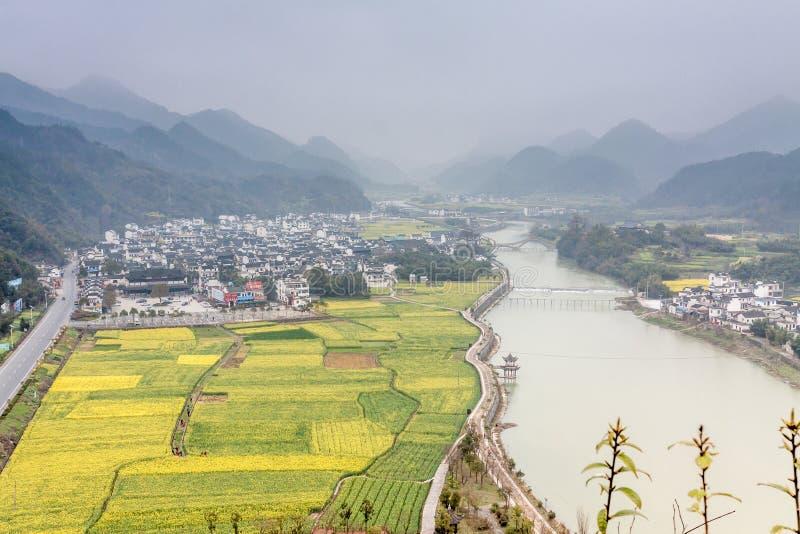 Типичная деревня в Китае стоковая фотография rf