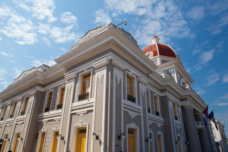 Типичная колониальная архитектура в Cienfuegos Куба стоковое фото rf
