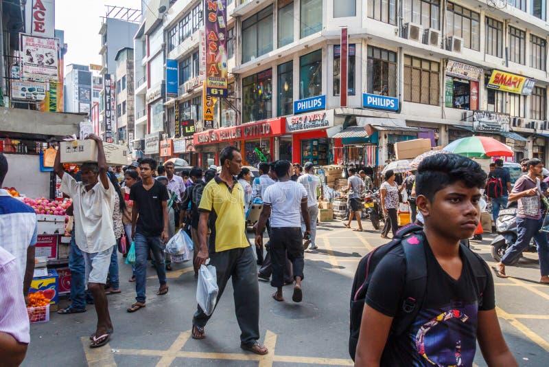 Типичная сцена оживленной улицы стоковые фото