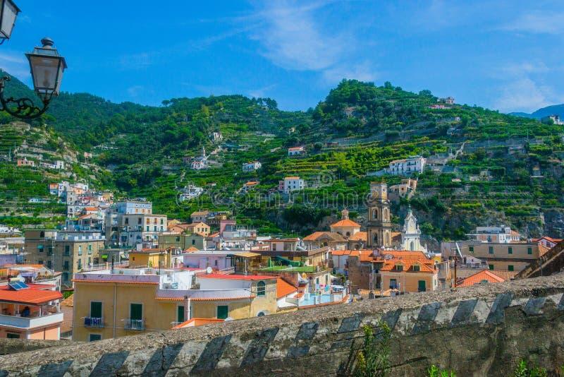 Типичное культивирование terracing в amalfitana Италии costiera стоковое фото rf
