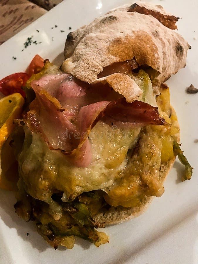 Типичное северное итальянское блюдо горы: Taroz, от Valtellina стоковое фото