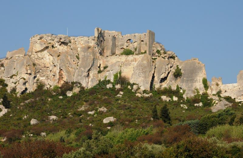 Download Типичные ландшафты Les-Baux-de-Провансали Стоковое Изображение - изображение насчитывающей зодчества, историческо: 33738371