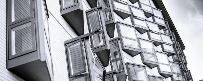 Типичные современные здания Эдинбурга стоковая фотография rf
