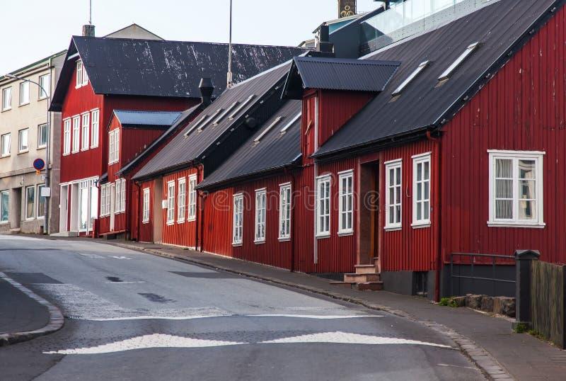 Типичный ландшафт города Reykjavik улицы стоковые изображения rf