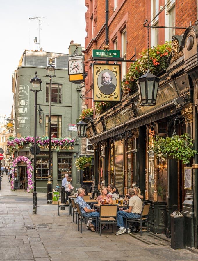 Типичный взгляд в Лондоне стоковые фото