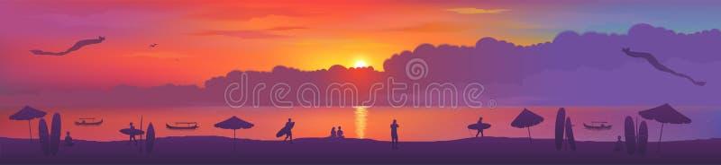 Типичный взгляд захода солнца пляжа Kuta острова Бали со змеями, досками серфинга, зонтиками пляжа, рыбацкими лодками и серферами иллюстрация вектора