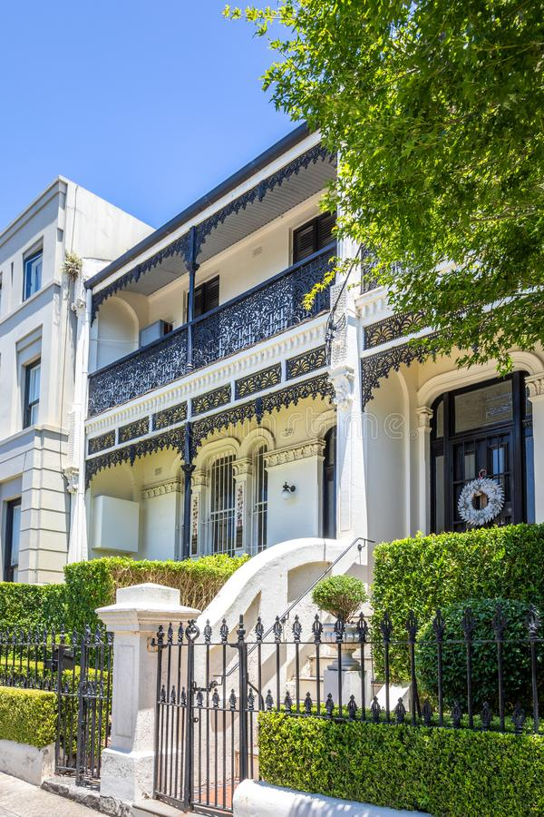типичный дом террасы в Сиднее Австралии стоковое фото rf