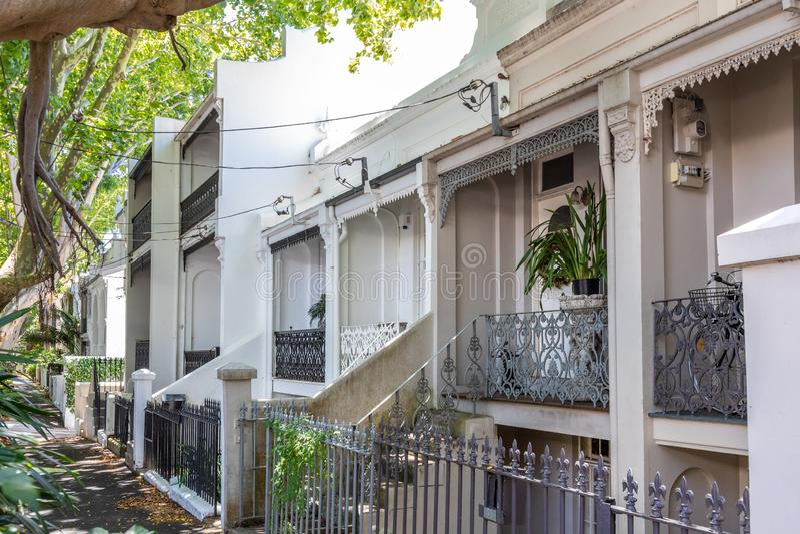 типичный дом террасы в Сиднее Австралии стоковое фото