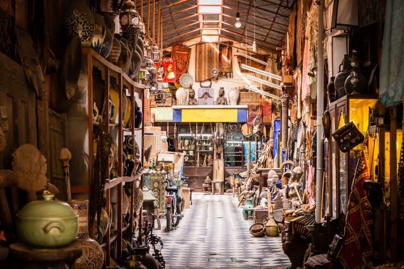 Типичный магазин рынка в Marrakesh стоковое изображение