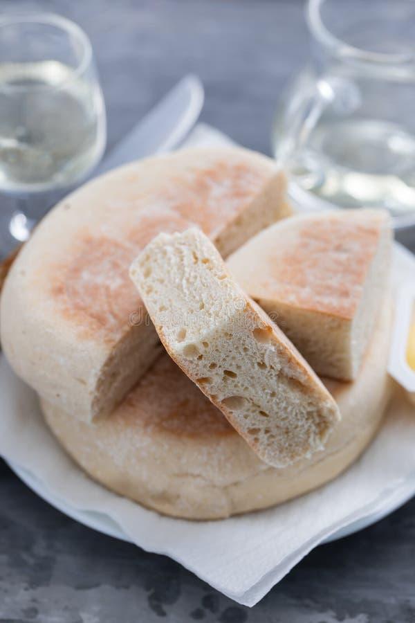 Типичный португальский хлеб Bolo Мадейры делает caco стоковое фото rf
