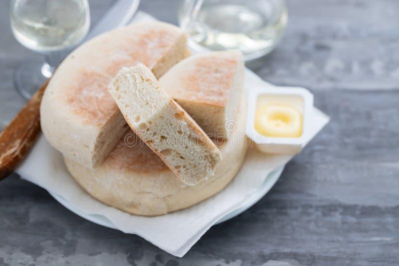 Типичный португальский хлеб Bolo Мадейры делает caco стоковые изображения rf