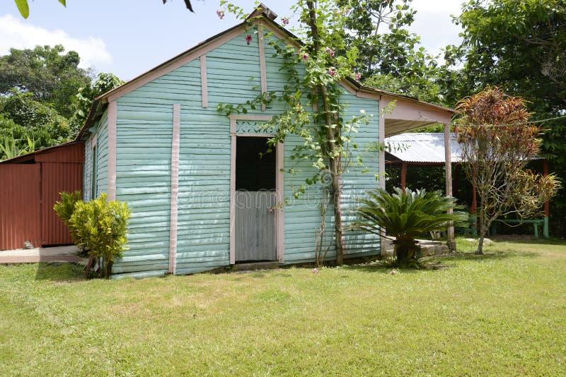 Типичный родной дом в Доминиканской Республике стоковое фото rf