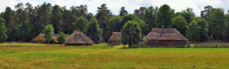 Типичный, этнографический деревянный дом стоковое фото rf