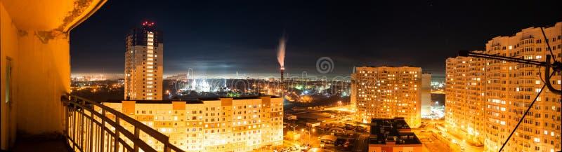 тип урбанский панорама города ночи стоковое фото rf