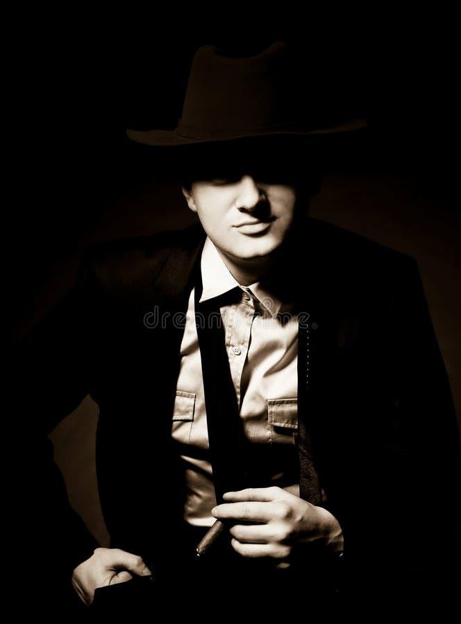 тип человека гангстера сигары chicago стоковое изображение rf