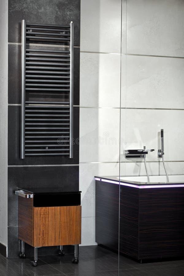 тип minimalism ванной комнаты нутряной стоковые изображения