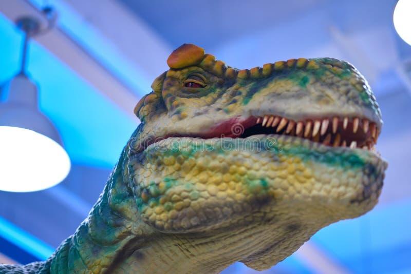 Тиранозавр, съемка динозавра главная стоковая фотография