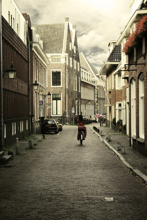 Download тихая улица стоковое изображение. изображение насчитывающей наведенное - 484425