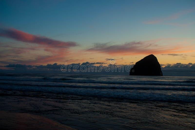 Тихий океан заход солнца города стоковое фото