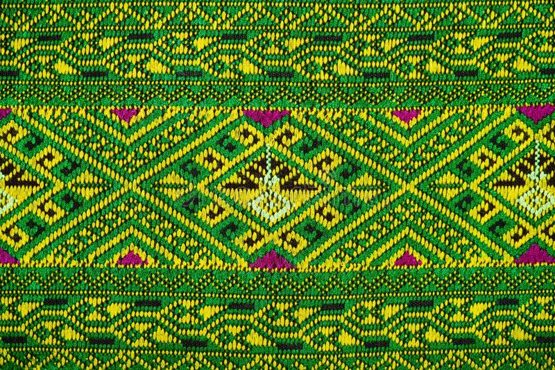 Тканей цветов тканей красок ткани цвета ткани шелк тканей моды античных handwoven естественных красивых красивых старый тайский стоковое фото rf