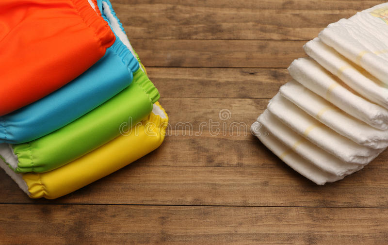 Ткань и устранимые пеленки стоковое изображение