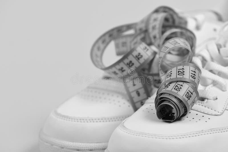 Товары спорта Резвитесь ботинки и sportive оборудование для здоровой формы стоковая фотография rf