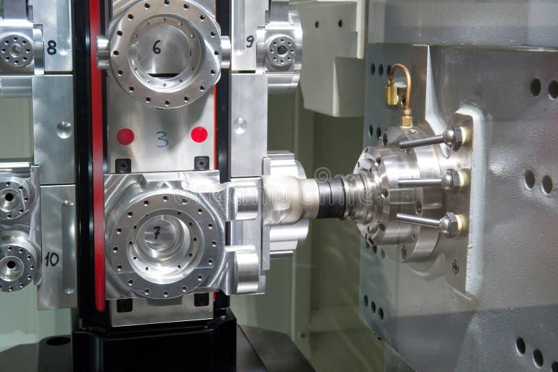 Токарный станок, филировать CNC стоковое изображение
